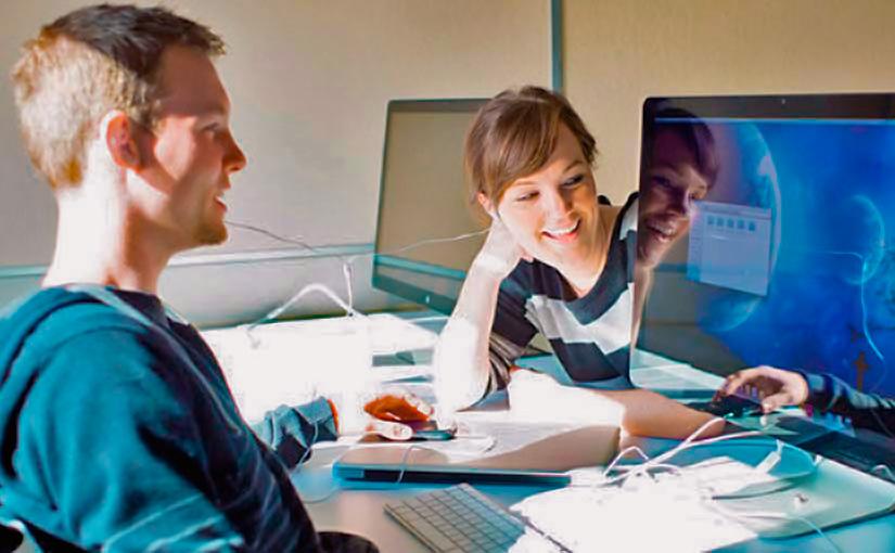 Studierende im digitalen Lernsetting