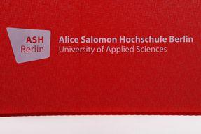 Regenschirm mit ASH Berlin Logo