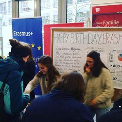 Erasmus-Jubiläumsfeier im Foyer der ASH Berlin