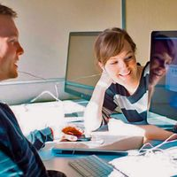 Studierende des Bachelor of Science online Studiengangs Interprofessionelle Gesundheitsversorgung im digitalen Lernsetting