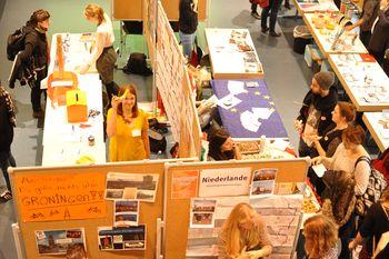 International Day 2014: Länder- und Informationstische, Blick von oben