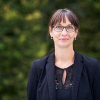 Portraitfoto von Jana Einsporn die ab dem 1.11.2020 die neue Kanzlerin der ASH Berlin ist