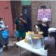 Vergrößern: In einer Suppenküche in Buenos Aires wird für die ärmsten Bevölkerungsschichten Essen verteilt