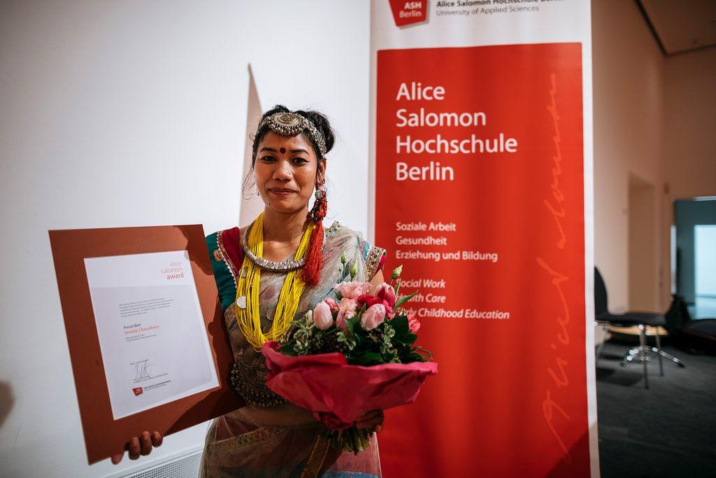Vergrößern: Verleihung des Alice Salomon Awards 2018 an die Frauenrechtlerin Urmila Chaudhary
