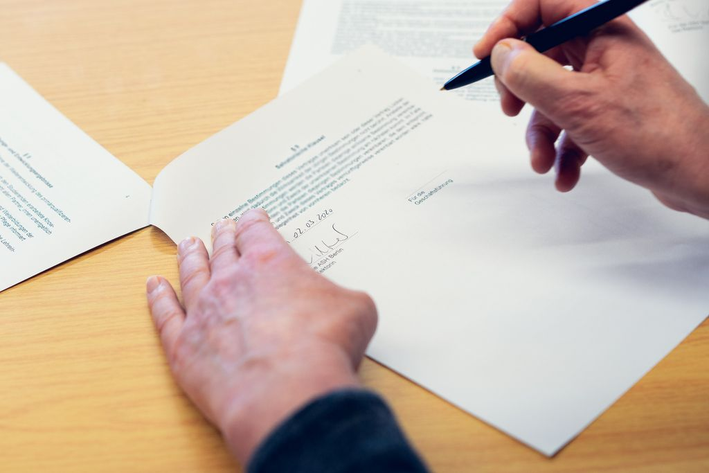 Vergrößern: Unterzeichnung der Kooperationsverträge zwischen ASH Berlin und Gesundheitseinrichtungen