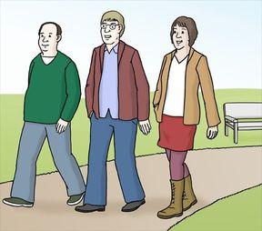 Drei Menschen gehen Spazieren